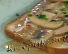 Бутерброды с шампиньонами запеченные в яйце