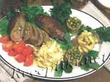 Мясо запеченное в рулетиках по-таежному