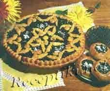 Пирог и ватрушки с черникой