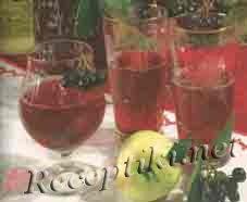 Напиток из черноплодной рябины с яблоками