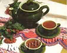 Чай с парой чайников