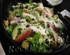 Тетушкин салат из куриного окорочка