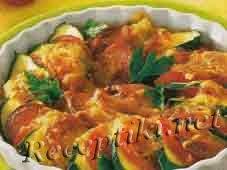 Запеканка с помидорами и цуккини