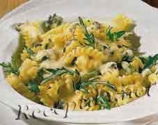 Макароны-спиральки в сырном соусе