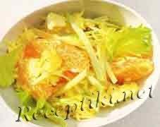 Куриный салат из риса с сельдереем