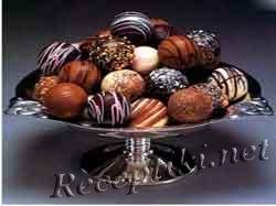 Шоколадный трюфель с миндалем
