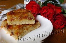 Яблочный пирог с медом и миндалем