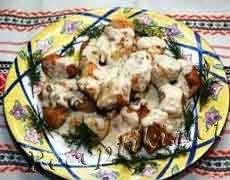 Зразы куриные «Пикантные» в соусе из хрена