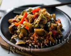 Рис с курицей и пряностями по-индонезийски