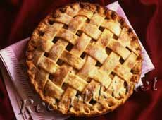 Сладкий закрытый яблочный пирог