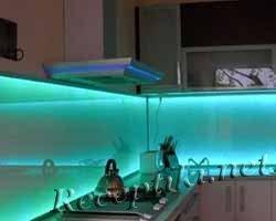 Светодиодная лента: создаем подсветку на кухне