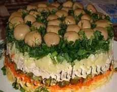 """Салат из маринованных грибов """"Нескучный''"""